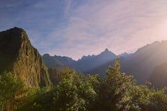 Восход солнца под горами picchu machu Стоковое Изображение RF