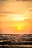 Восход солнца пляжа рая Стоковое Изображение