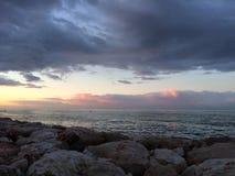Восход солнца, пляж Малаги, Андалусии, Испании Стоковое Изображение RF