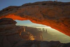 Восход солнца свода мезы стоковые фото