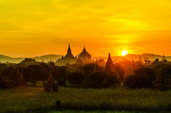 Восход солнца bagan пагоды стоковое фото rf