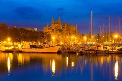 Восход солнца Palma de Mallorca с собором и портом Стоковые Изображения RF