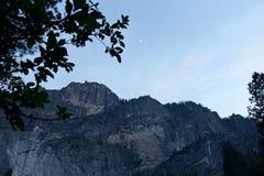 Восход луны пункта ледника, национальный парк Yosemite Стоковое Изображение RF