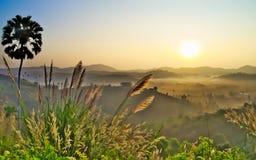 Восходящее солнце на niam kong wat Стоковое фото RF