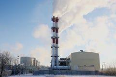 восходящий поток теплого воздуха электростанции индустрии экологичности Стоковое Изображение