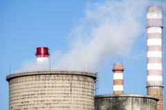 восходящий поток теплого воздуха электростанции индустрии экологичности Стоковые Изображения RF