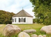Восьмиугольная часовня на Vitt, острове Ruegen, Балтийском море Стоковая Фотография RF