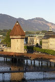 Восьмиугольное Wasserturm за мостом часовни Стоковые Фотографии RF