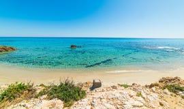 Вода бирюзы в пляже Санты Giusta Стоковые Фото