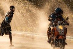 Вода брызгая в фестивале Songkran Стоковые Изображения RF
