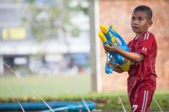 Вода брызгая в фестивале Songkran Стоковые Фото
