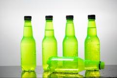 вода версии растра иллюстрации бутылки Стоковые Фотографии RF