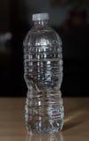 вода версии растра иллюстрации бутылки иллюстрация вектора
