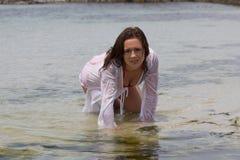 Вода ее любимый элемент Стоковые Фото
