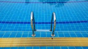 вода зонтиков заплывания бассеина Стоковые Изображения