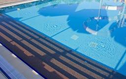 вода зонтиков заплывания бассеина Стоковые Фото
