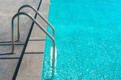 вода зонтиков заплывания бассеина Стоковая Фотография