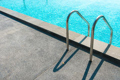 вода зонтиков заплывания бассеина Стоковые Изображения RF