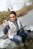 Вода испытания студента биологии Стоковые Фото