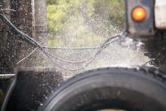 Вода на автошинах тележки Стоковое Изображение