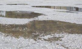 Вода на поверхности цемента во время дождя Стоковое Изображение RF