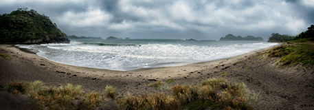 Вода на пляже в Новой Зеландии стоковое фото rf