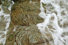 Вода над утесом Стоковая Фотография RF