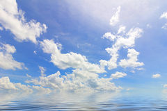 вода неба отражения элемента конструкции предпосылки Стоковая Фотография