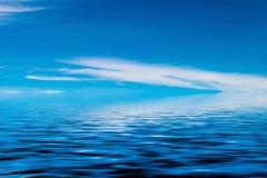 вода неба отражения элемента конструкции предпосылки Стоковое Изображение