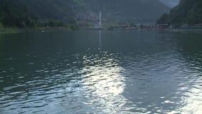 Вода озера и танцев Uzungol видеоматериал