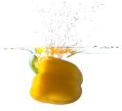 вода перца колокола падая Стоковое Изображение RF