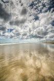 Вода пляжа 90 миль Новая Зеландия Стоковое фото RF