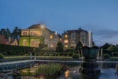 Вода сада дворца замка ночи Стоковое Изображение RF