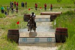 вода скачки креста страны Стоковые Фото