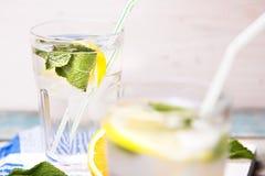 Вода с лимоном Стоковые Изображения