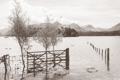 Вода Derwent, Keswick, район озера Стоковая Фотография