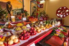 Во время Нового Года торжества китайского в китайском виске Стоковая Фотография RF