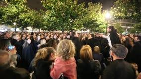 Во время Queima das Fitas - традиционное праздненство студентов некоторых португальских университетов акции видеоматериалы
