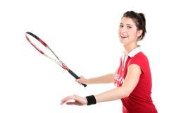 Изолированное изображение студии от молодой женщины с ракеткой тенниса стоковое фото rf