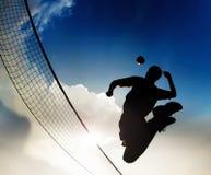 Волейболист силуэта Стоковые Фотографии RF