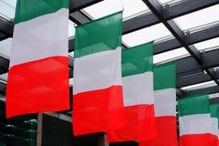 Волна 5 итальянская флагов внутри Стоковое фото RF