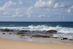 Волна песчаного пляжа стоковое фото
