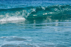 Волна предпосылки голубая в океане Стоковое Изображение