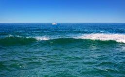 Волнистое Средиземное море Стоковая Фотография