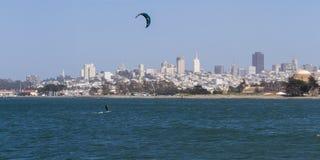 Водные виды спорта в заливе Стоковые Изображения RF
