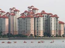 Водные виды спорта в метрополии стоковое изображение rf