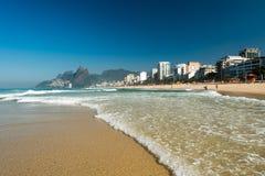 Волны в пляже Ipanema Стоковая Фотография