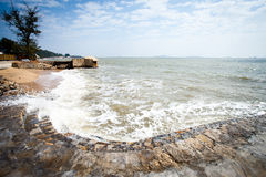 Волны и каменные шаги Стоковое Изображение RF