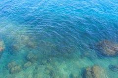 Волны и скала на запасе Rosh Hanikra Стоковые Изображения
