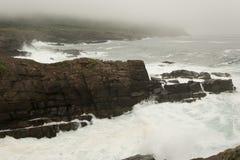 Волны и скалы Стоковая Фотография